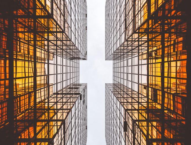 Qual a diferença entre incorporadora e construtora?